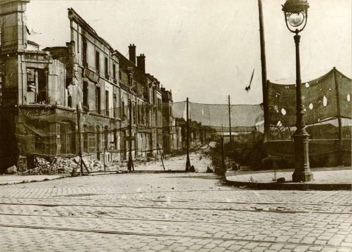 Rue Lesage et filets pour dissimuler les voies de chemin de fer aux aéroplanes 22/08/1917 (source Gallica)