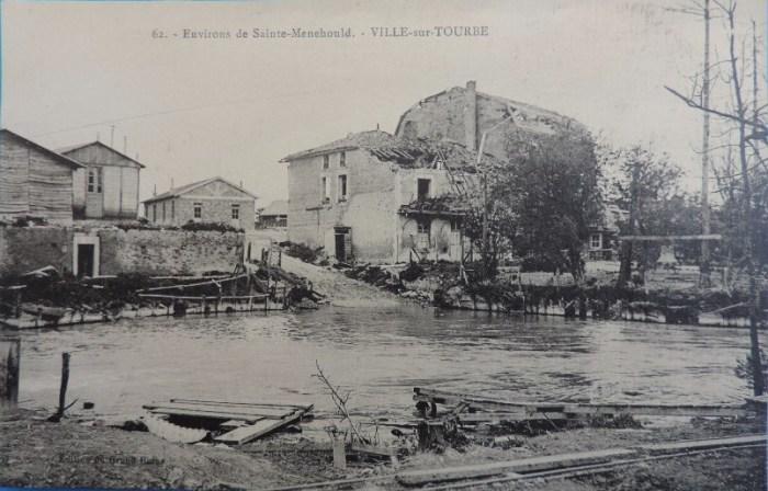 Mercredi 6 octobre 1915. Ce doit être une préparation de l'attaque de la 2e ligne des tranchées allemandes entre Auberive et Ville-sur-Tourbe