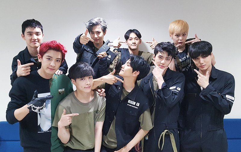 7 Times EXO and EXO-Ls Proved They are as 'Savage' As Each Other