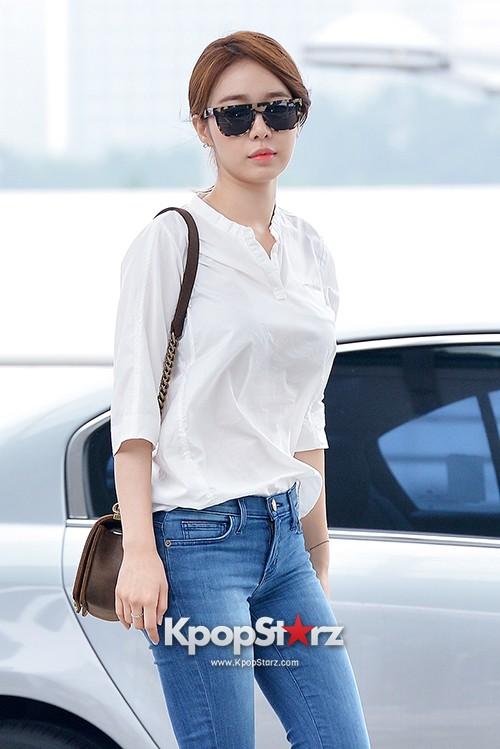 Yoo In Na at Incheon International Airport Heading to LA M.NET K-CON 2014 - Aug 7. 2014 [PHOTOS] : Photos : KpopStarz