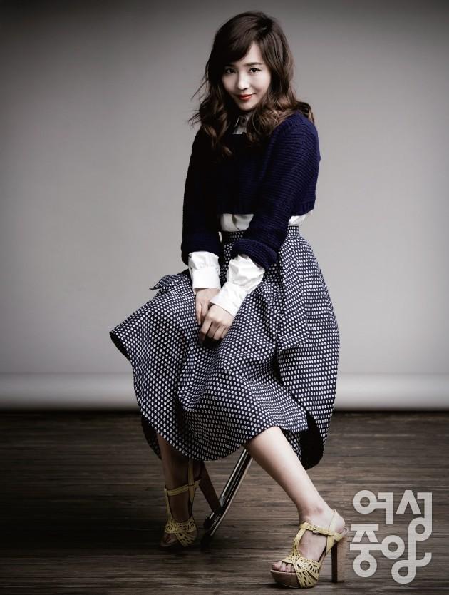 Original Girl Group Member 'Eugene' Poses for 'Woman's Central' Magazine [PHOTOS] : Photos : KpopStarz