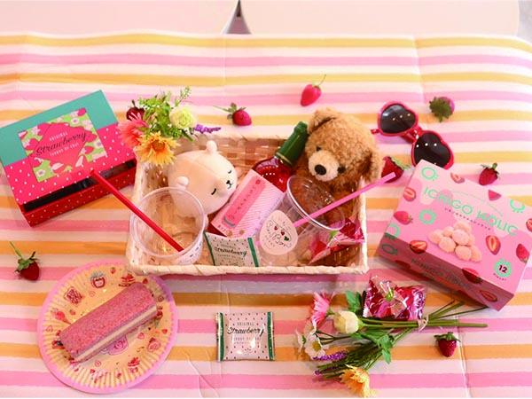 熱海いちごスイーツ専門店の人気BOX