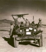 Flickr_-_Israel_Defense_Forces_-_IDF_Jeep_Waving_at_French_Bomber