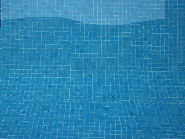 how to pressure wash a pool and spa