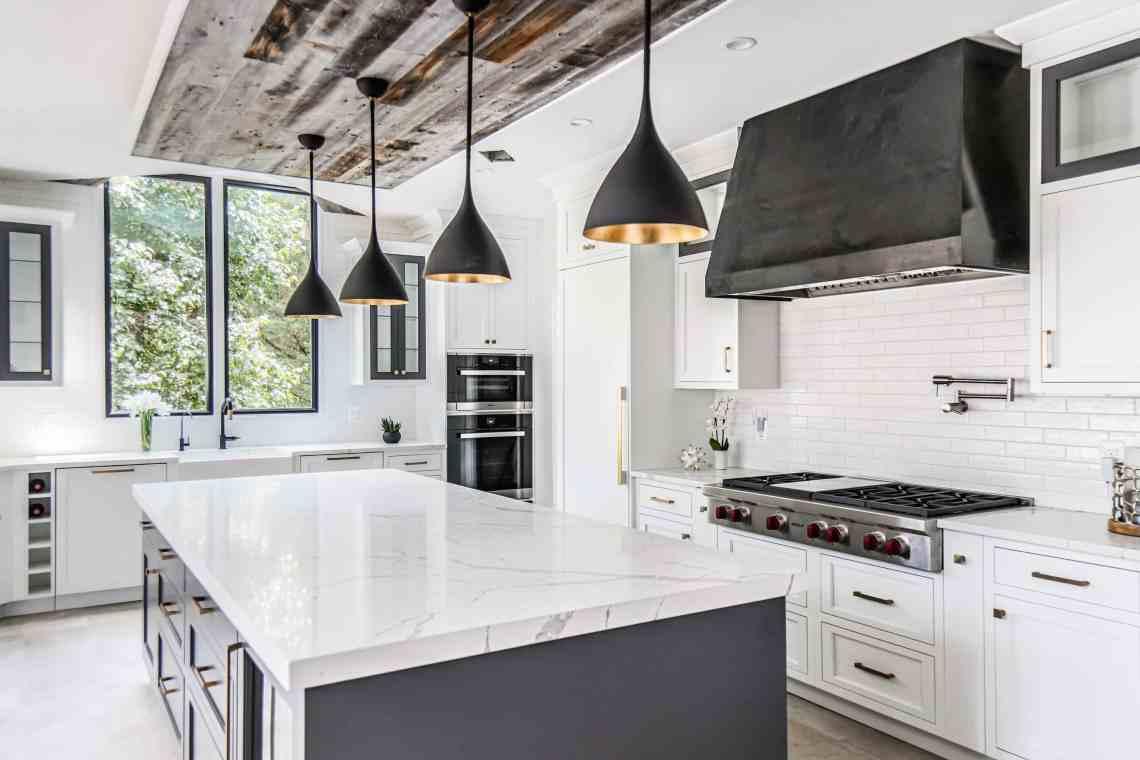Modern Farmhouse Kitchen in McLean | Olamar Interiors