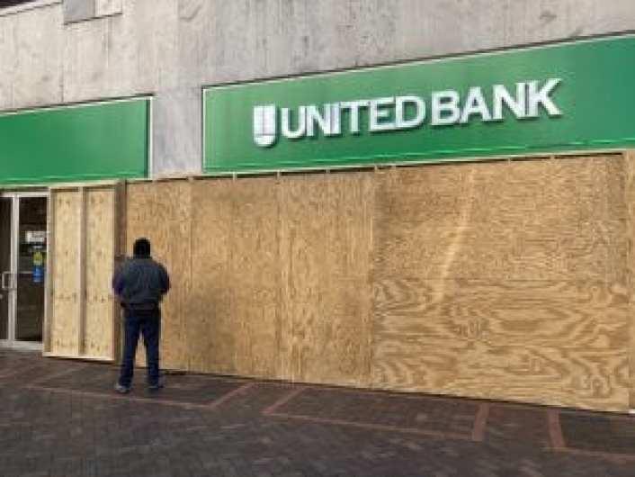 D.C. United Bank boards up (Nic Rowan) spectator.org