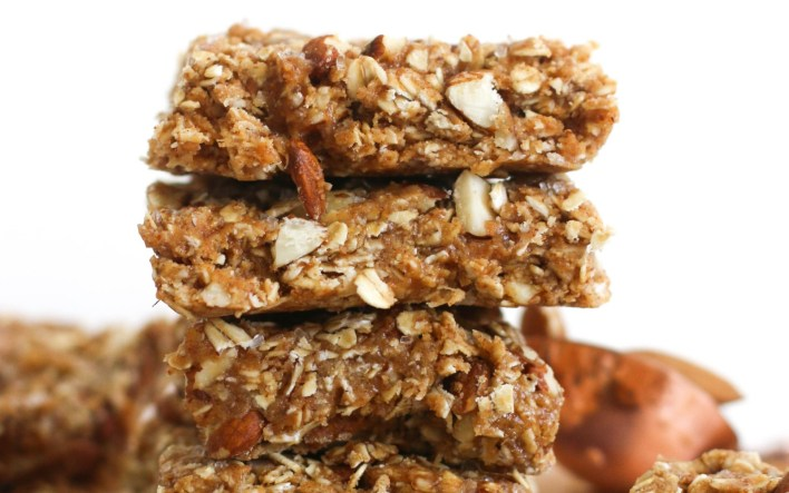 No-bake maple almond bars