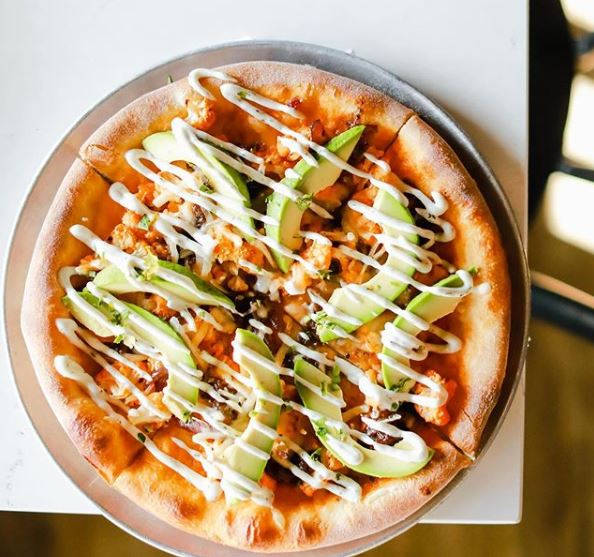 Buffalo Chik'n Pizza