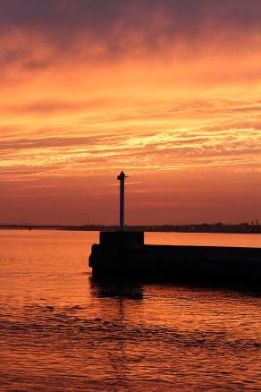 内浜堤防からの夕日3