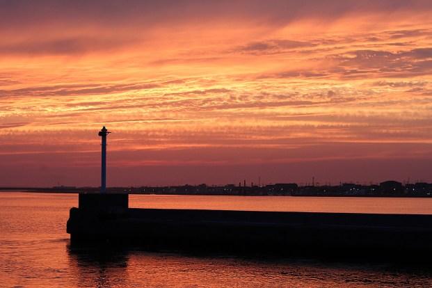 内浜堤防からの夕日2