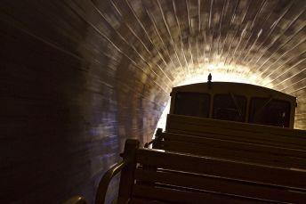 Train Jaune Tunnel