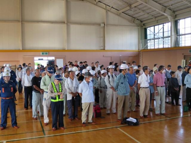 安茂里体育館に避難し、防災訓練開始式。