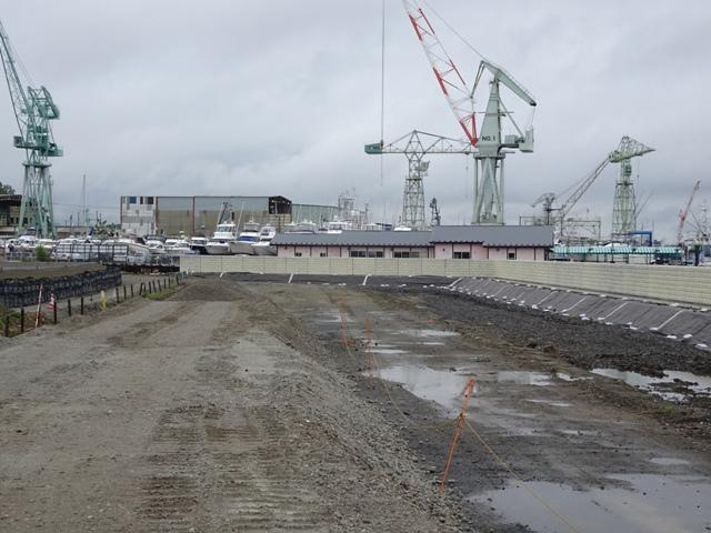 北浜地区の地盤かさ上げ、防潮堤工事の様子