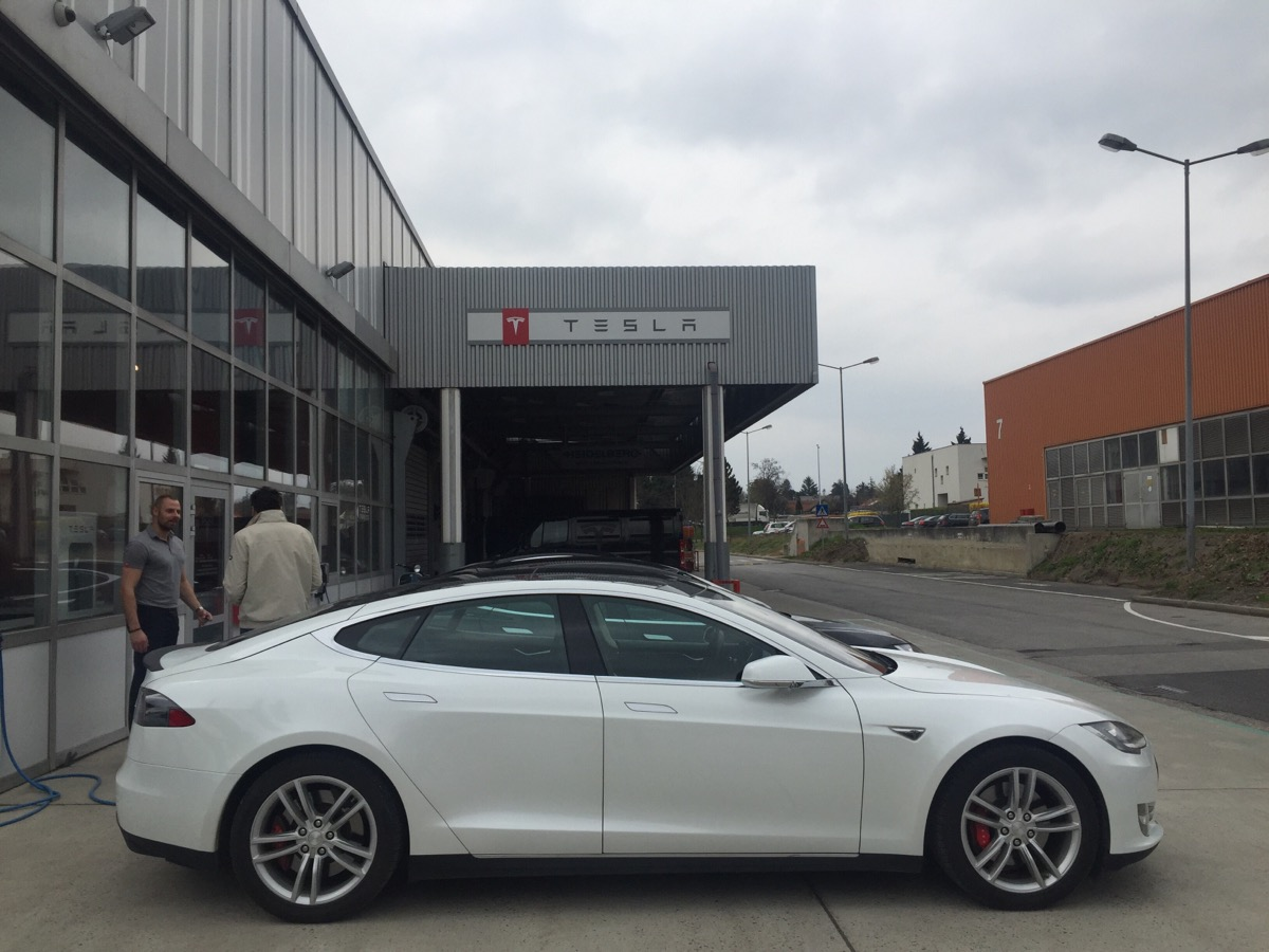 Where can you buy and charge a Tesla model 3 if you live ...