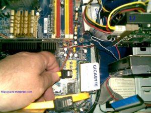 Conectar cable sata en placa para poner otro disco en pc con Linux