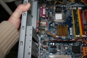 Desmontar placa ordenador 03