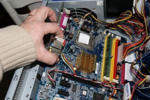 Desmontar placa ordenador 04