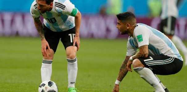 Lionel Messi Tak Mungkin Terus Selamatkan Argentina Ungkap Umtiti
