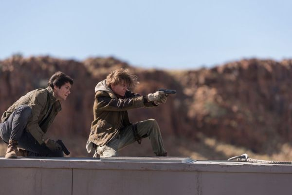 Dylan O'Brien & Thomas Brodie-Sangster in Maze Runner: The Death Cure