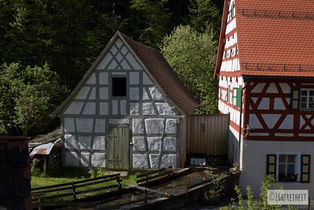 Holzverschlag an der Ziegelmühle