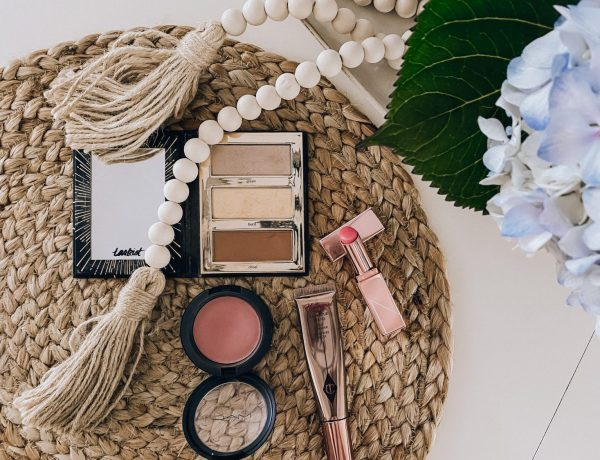 flatlay-makeup-products