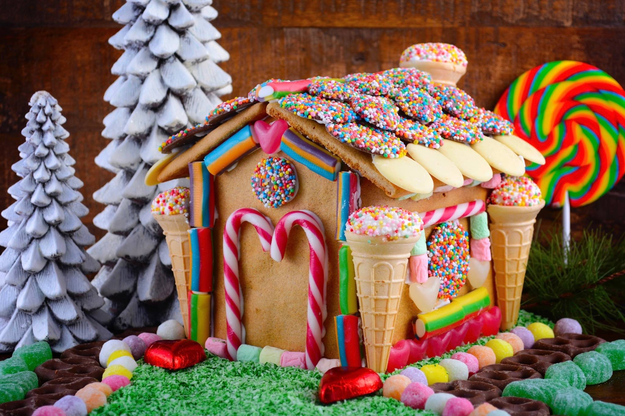 Gingerbread Houses And Teddy Bear Baskets
