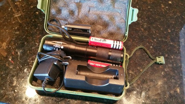 flashlight, TacLight, kit, lithum ion, LED, flashlight