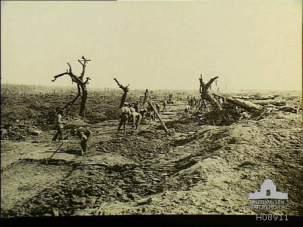 h08911-guillemont-montauban-road-1918.jpg