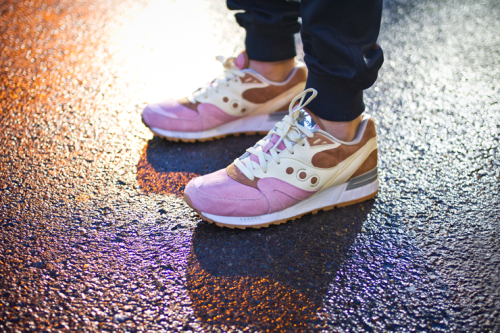 Saucony Shadow Master Space Snack x Extra Butter_12