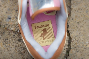 Saucony Shadow Master Space Snack x Extra Butter_28
