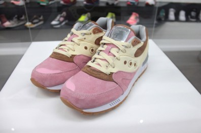 Saucony Shadow Master Space Snack x Extra Butter_48