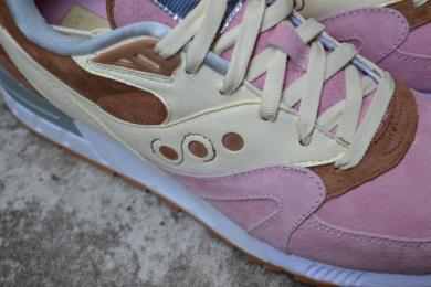Saucony Shadow Master Space Snack x Extra Butter_53