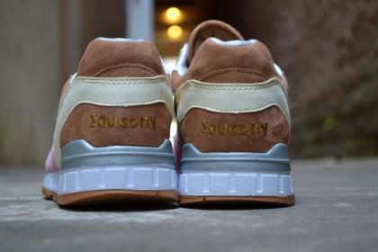 Saucony Shadow Master Space Snack x Extra Butter_57
