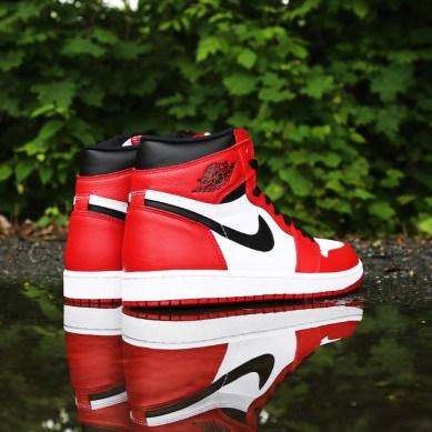 Air Jordan 1 Retro OG Chicago_60
