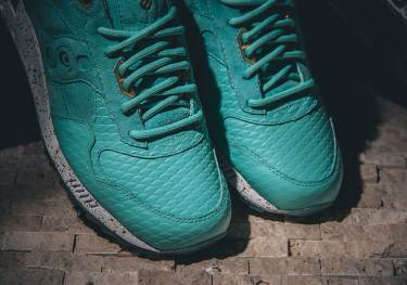 Saucony Shadow 5000 Righteous One x Epitome_08