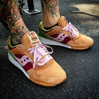 Saucony Shadow 5000 Burger x END_100