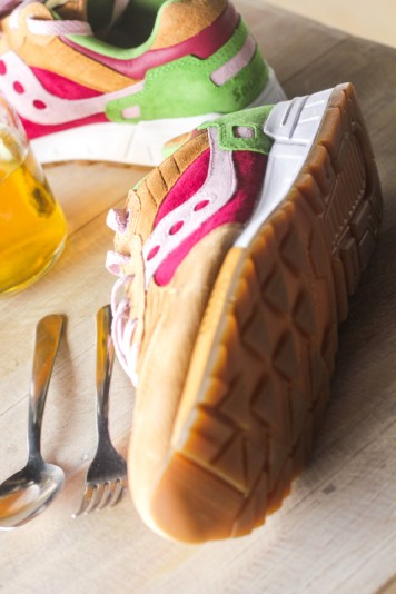 Saucony Shadow 5000 Burger x END_146