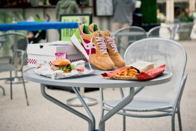 Saucony Shadow 5000 Burger x END_39