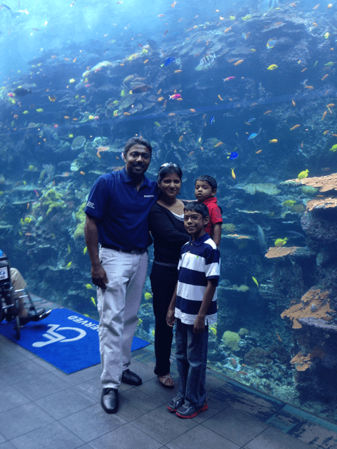Family at the Georgia Aquarium