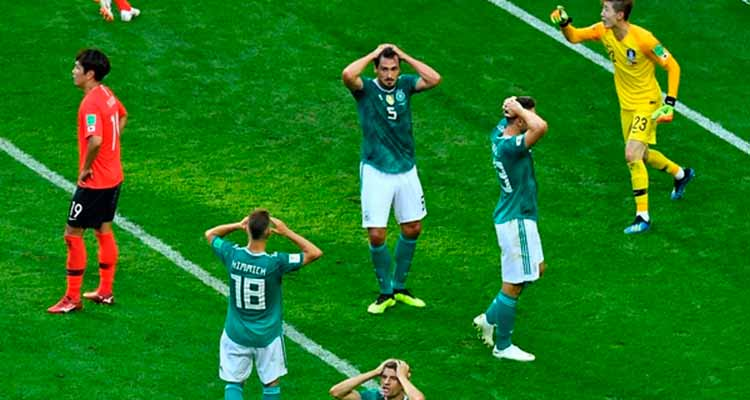 La maldición del campeón golpea a Alemania y lo deja fuera del mundial. México clasifica sufriendo