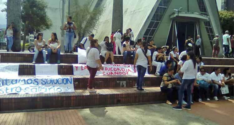 funcionarios hospital Calarcá sin sueldo varios meses