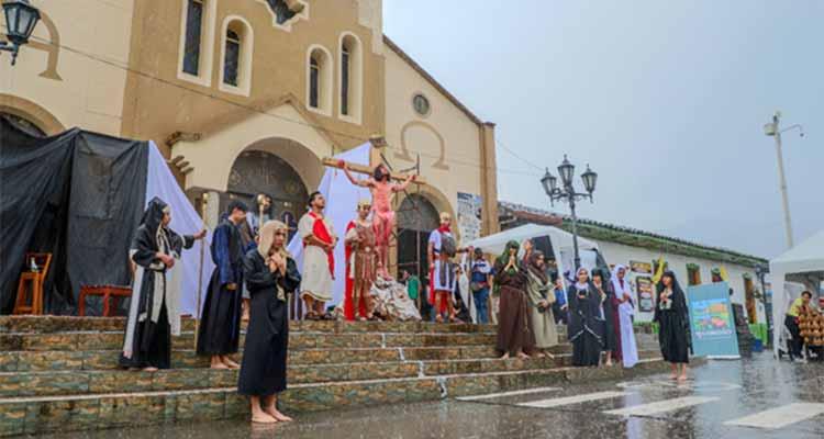 Conmovedora puesta en escena en inicio de Semana Santa en Salento