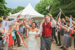 ribbons to wave off couple