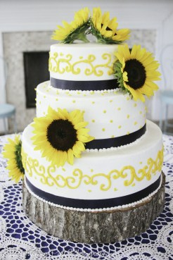 Yello piping with navy and sunflowers