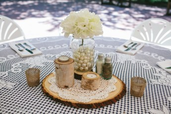 Mason jar with pearls and birch candles