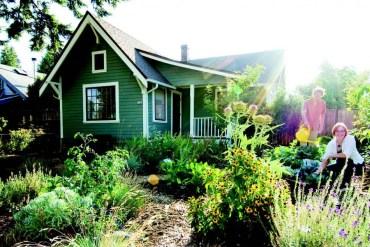 2009-Autumn-Oregon-Home-Green-Design-Portland-Rubado-residence-Lizzie-Dan-garden