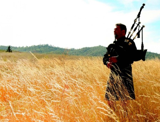 2009-Autumn-Southern-Oregon-People-Medford-Murray-Huggins-bagpipe-maker-music
