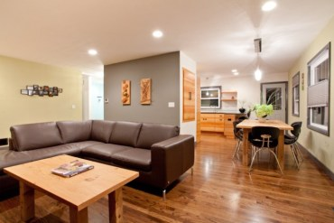Oregon-Portland-Lodging-Eco-Modern-Home-living-dining-room