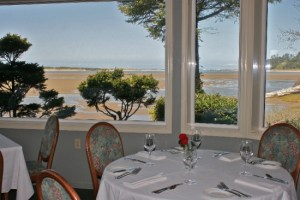 the-bay-house-restaurant-coast-oregon-seafood