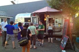 1859-summer-2012-portland-oregon-food-cartographer-viking-soul-food-line-by-trailer